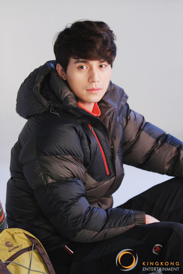 Lee Dong Wook S Echoroba Winter 2012 Photo Shoot Couch