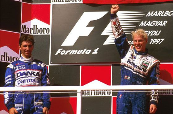 F1 1997 Hungary GP - Damon Hill and Jacques Villeneuve celebrate in the podium