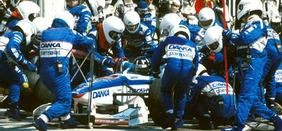 F1 1997 Hungary GP - Damon Hill in the pits