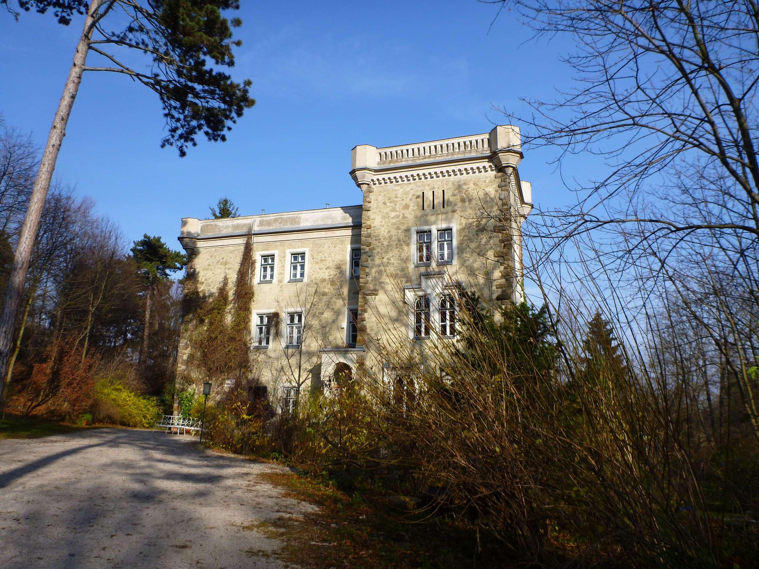 Mali dvorac