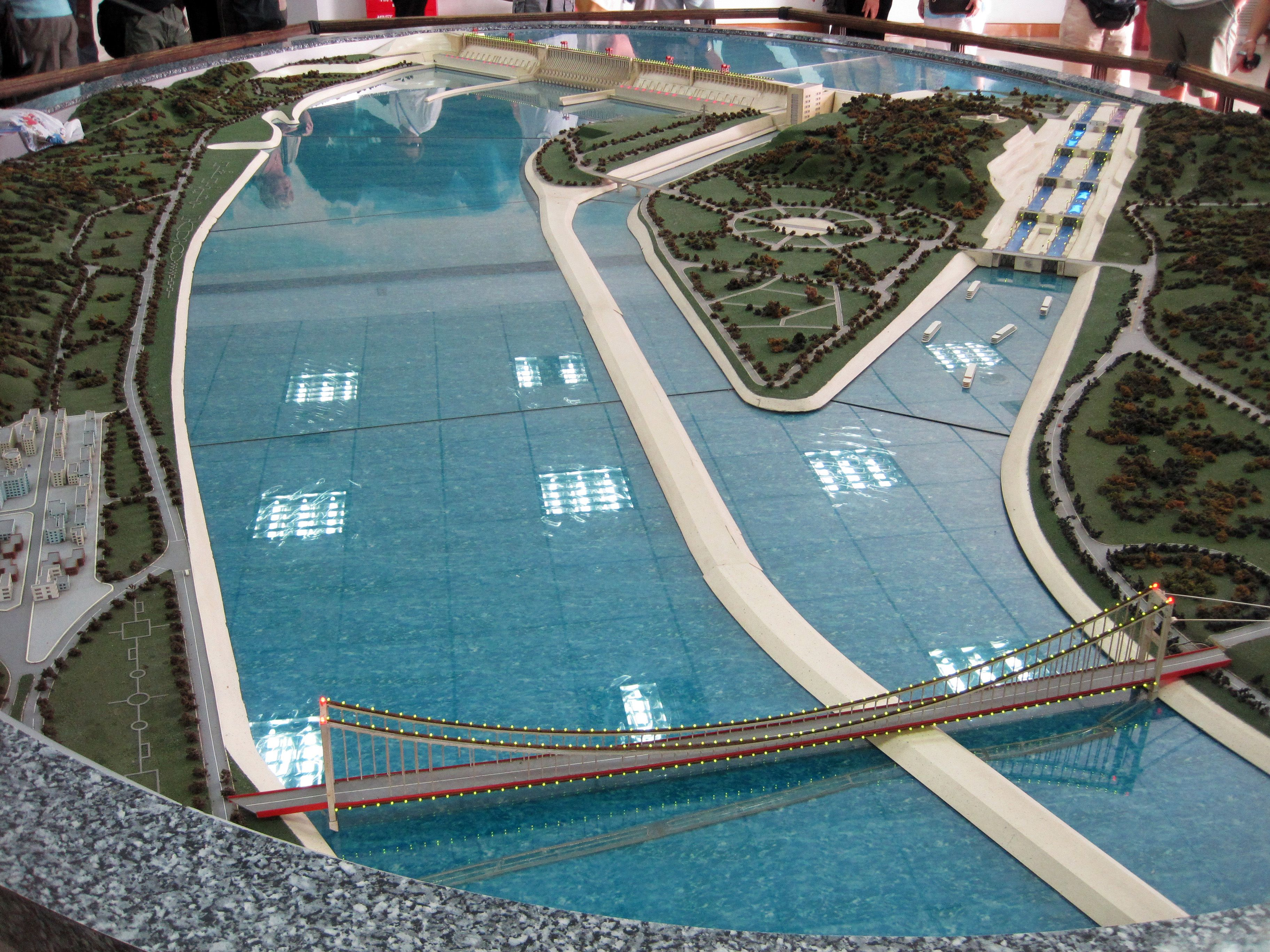 Three gorges dam project china s biggest project since the great wall - Visitor Center Models Of The Three Gorges Dam