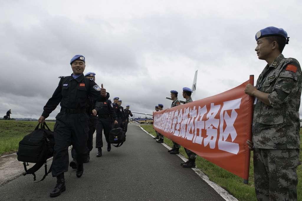 我国警察赴利比里亚维和 一队警花十分亮眼