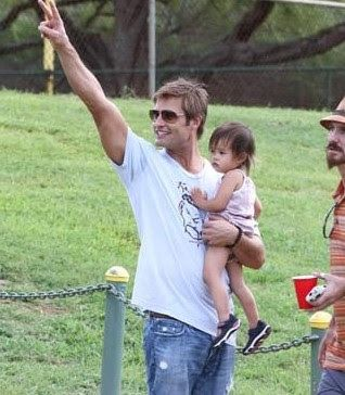 Hot Guys with Babies |...