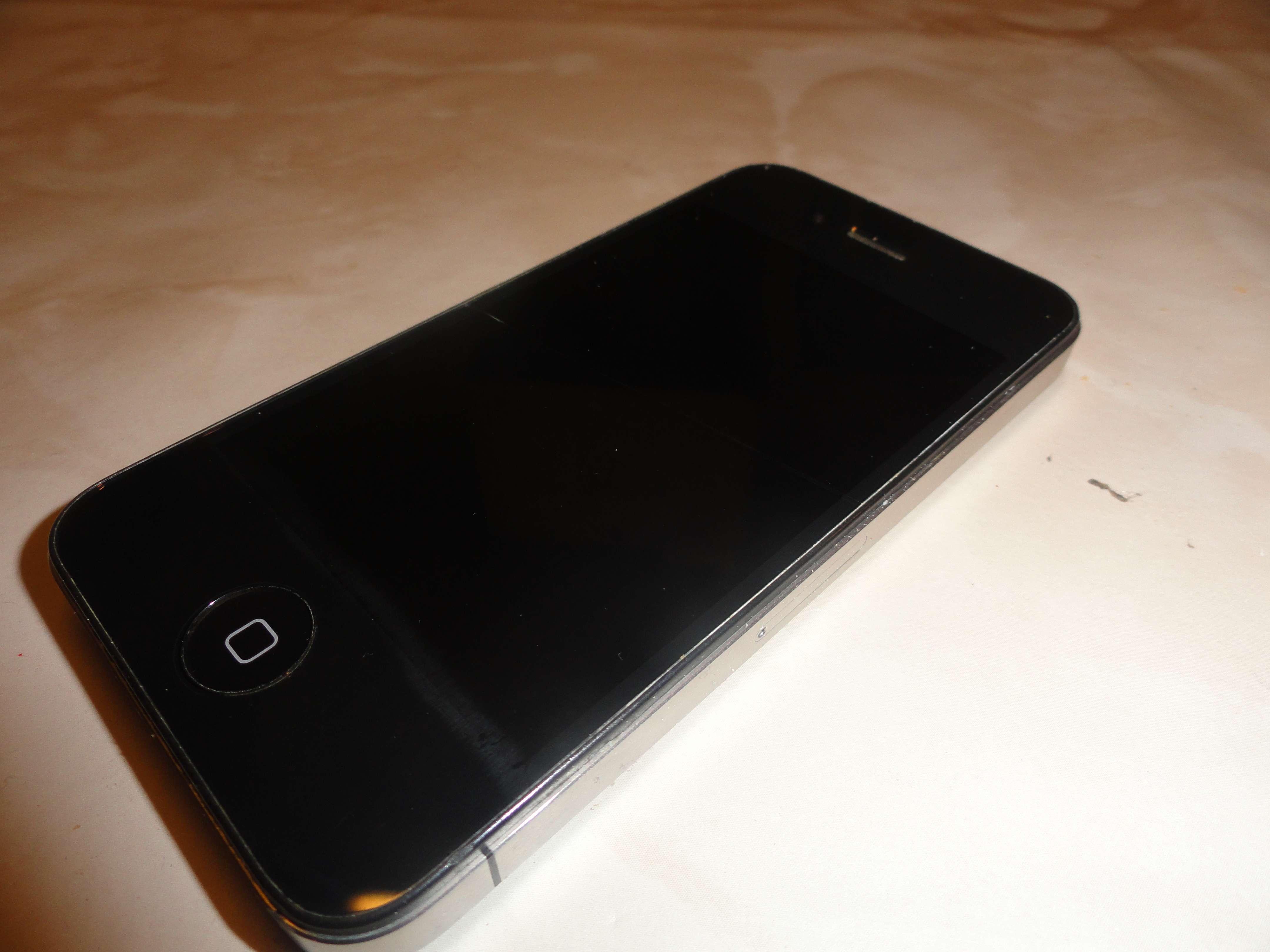 apple iphone 4 16gb schwarz ohne simlock sprung im. Black Bedroom Furniture Sets. Home Design Ideas