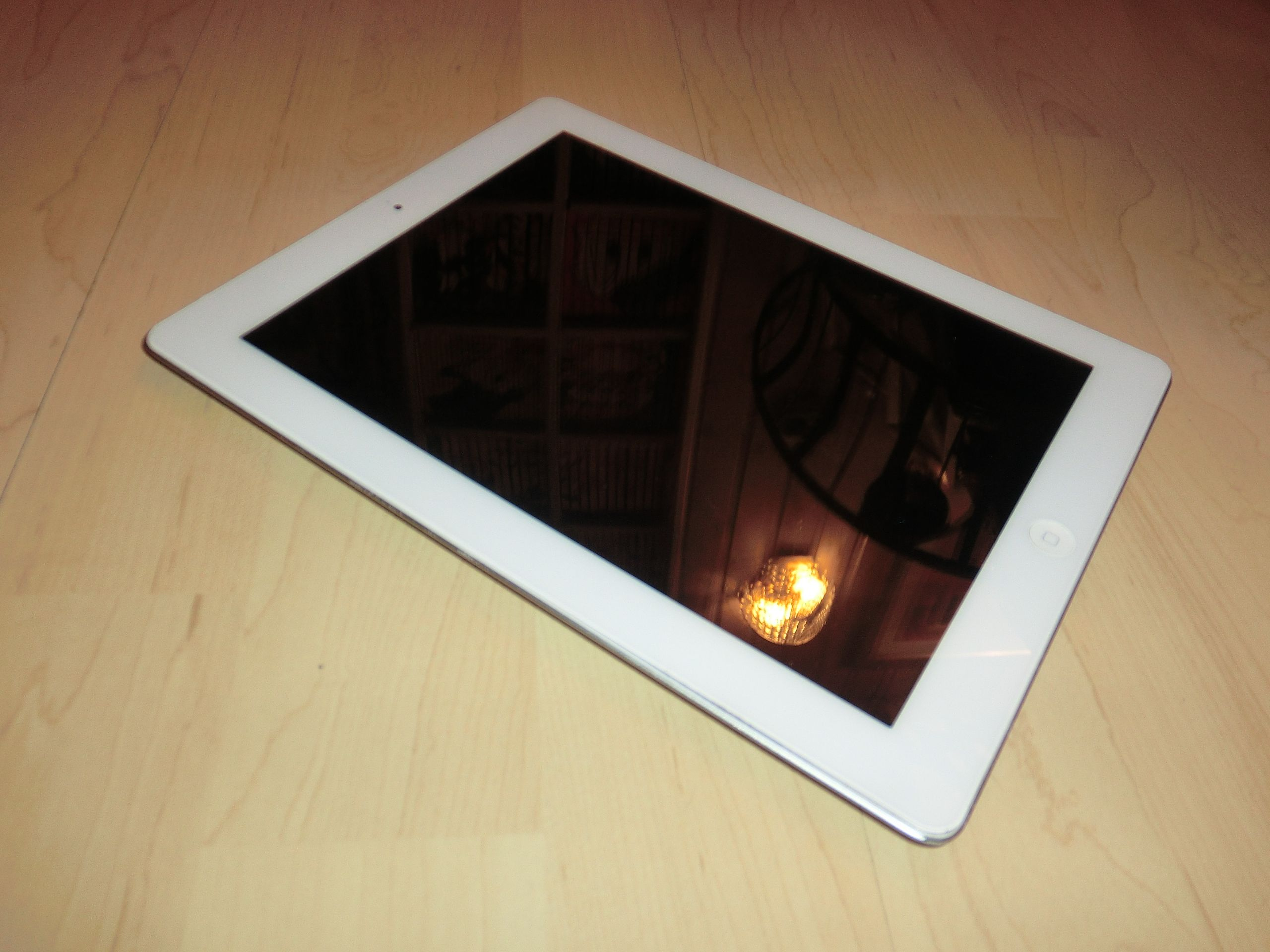 apple ipad 2 wei 64gb umts 3g ohne simlock 1 jahr. Black Bedroom Furniture Sets. Home Design Ideas
