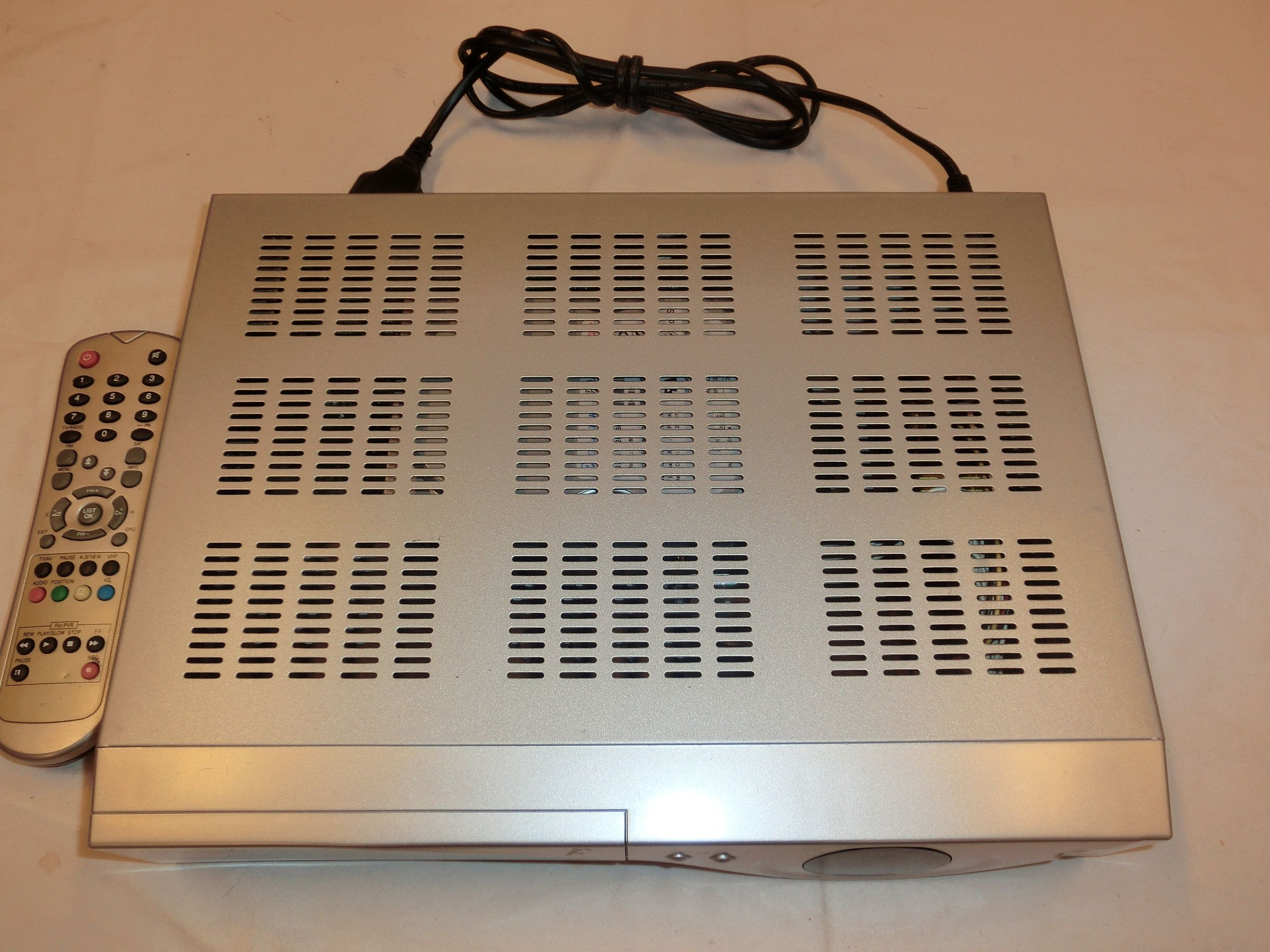 Skymaster dvr 7400 digitaler sat receiver mit 80gb hdd for A decoration none