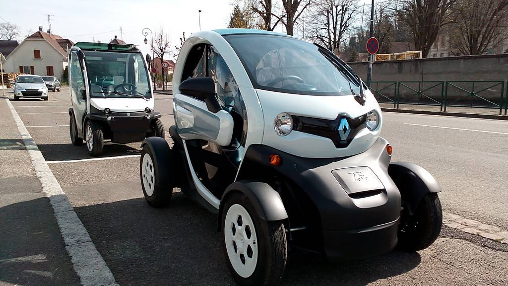 renault twizy la v ritable premiere voiture citadine lectrique cr dible et pas trop ch re. Black Bedroom Furniture Sets. Home Design Ideas