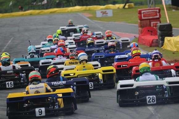 Largada do Desafio das Estrelas de Kart 2014