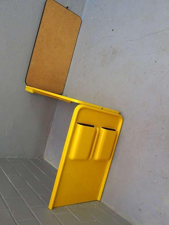 klappschreibtisch plastik gelb space age pop art 60er. Black Bedroom Furniture Sets. Home Design Ideas