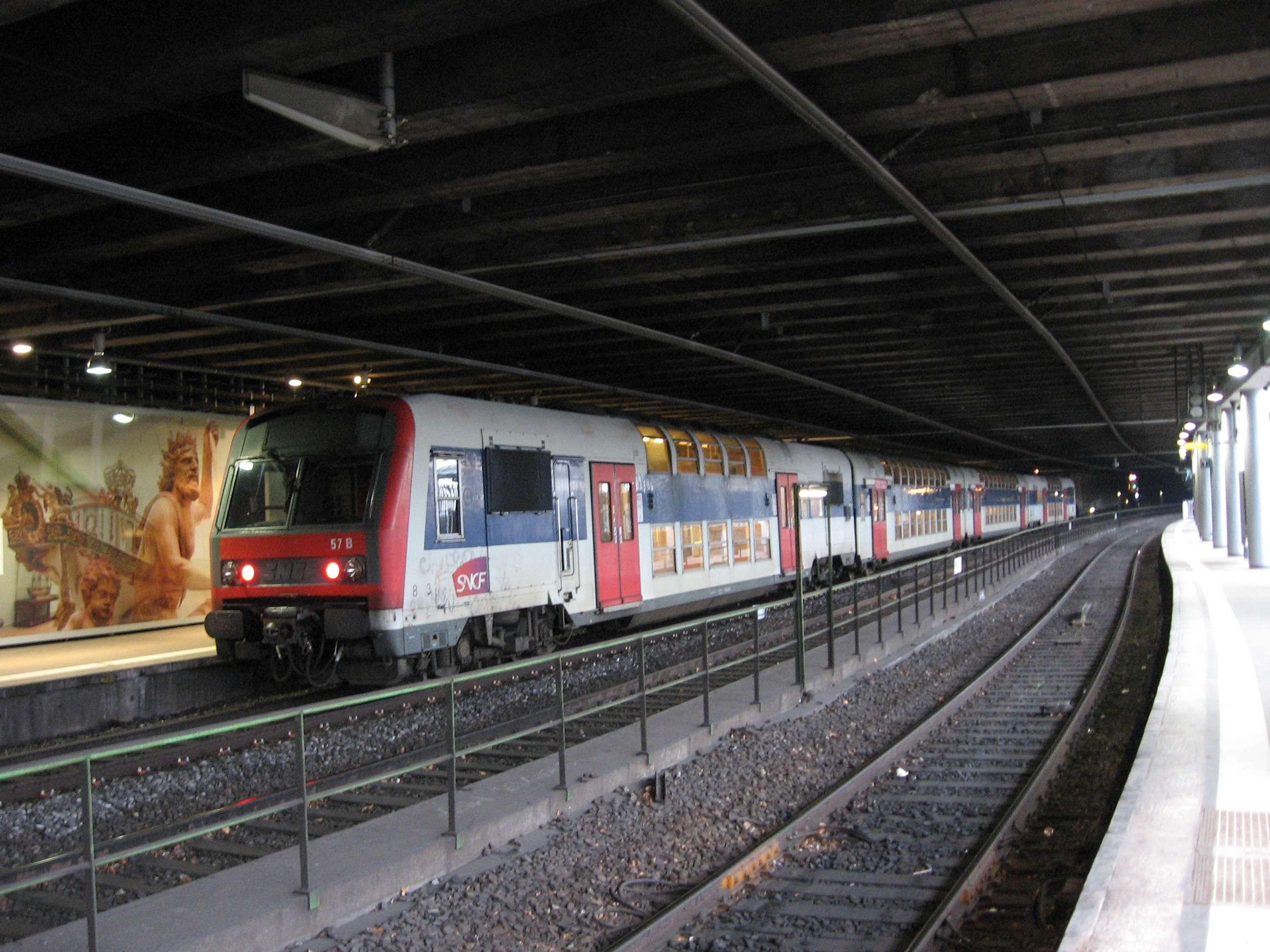 ICE-Treff - [F] Paris: RER, Métro, Tram und große Bahn