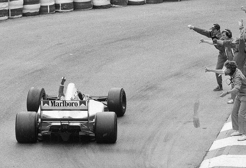 F1 1992 Monaco Grand Prix Williams members booing Ayrton Senna