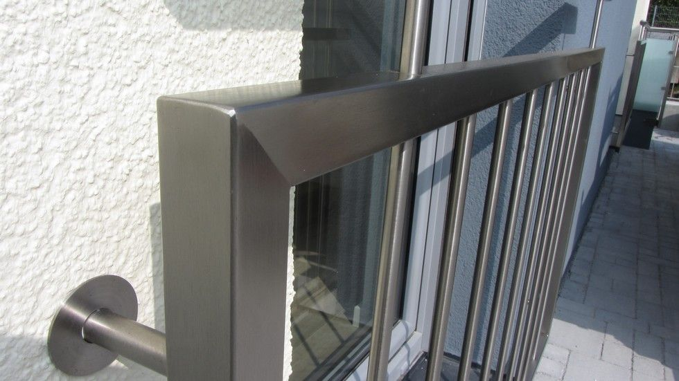 fenster gel nder glas oder gitter aus edelstahl frankfurt wiesbaden mainz. Black Bedroom Furniture Sets. Home Design Ideas