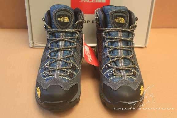 peralatan outdoor sepatu