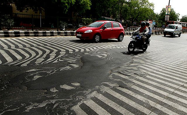 High temperatures in India are literally melting roads