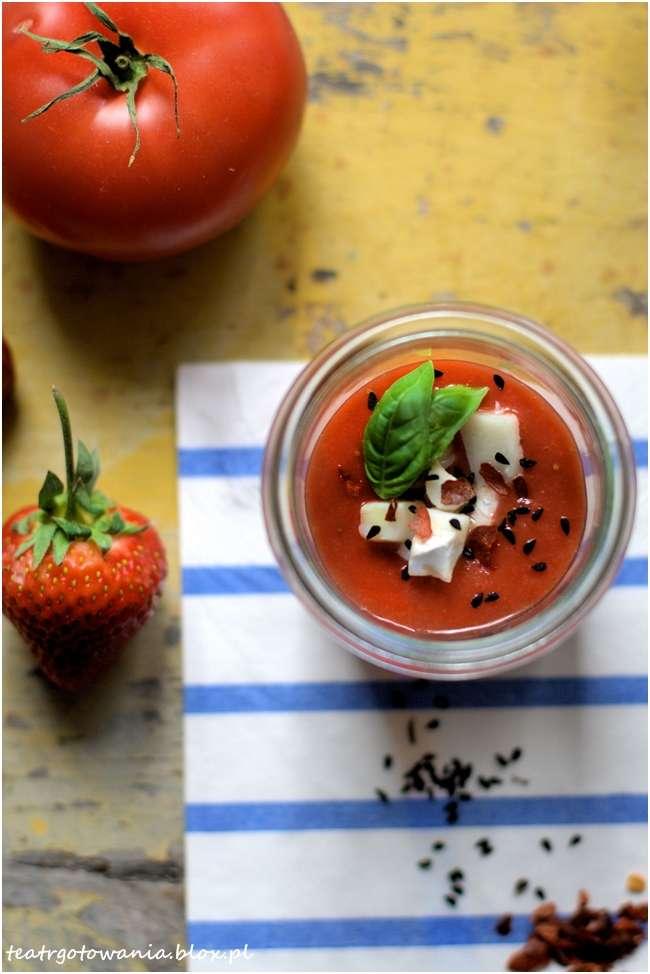 chłodnik pomidorowo truskawkowy