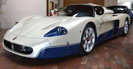 Maserati MC12 com menos de 2.000 km rodados está à venda na Califórnia