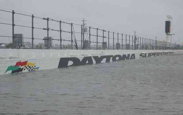 NASCAR 2014 Sprint Cup at Daytona track flooded