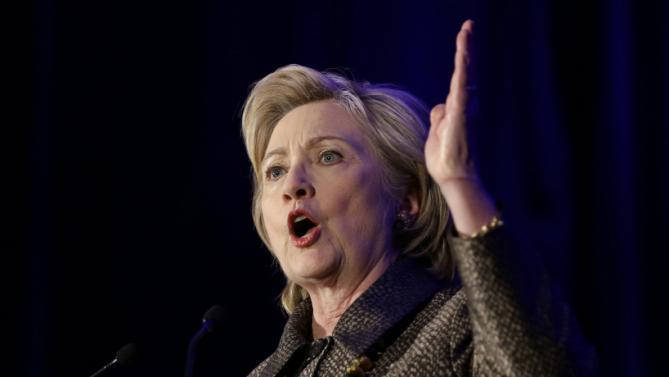 Clinton Outlines Immigration Reform Plan