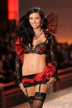 The Victorias Secret Fashion Show - 2014 MKV indir