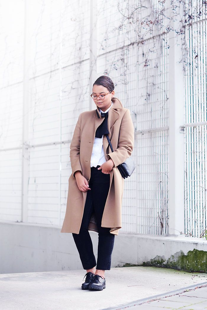 camel coat, brogues, tomboy, ace&tate glasses, bowtie, levi's jeans - justlikesushi.com