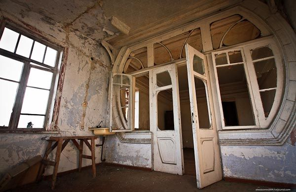 Curious Places Abandoned Art Nouveau Mansion Sukhumi