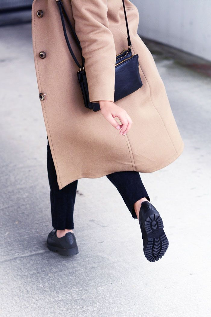 camel coat, brogues, tomboy, ace&tate glasses, bowtie, levi's jeans, trio bag - justlikesushi.com