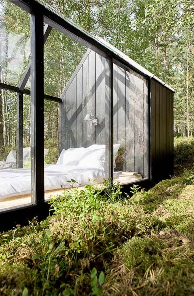 Curious places garden shed turned glass bedroom finland for Garden shed uae