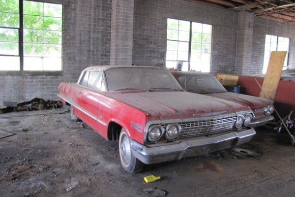 Barn find mania the lambrecht chevrolet collection for Motor city barn finds
