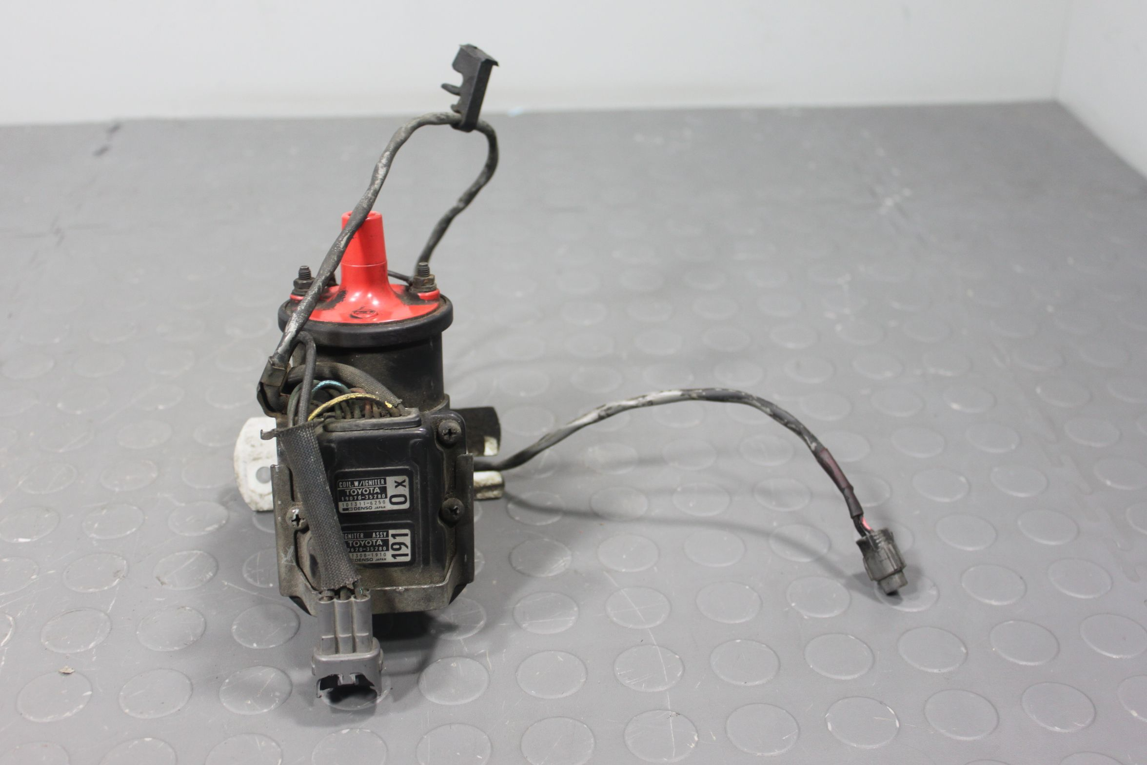 89 90 91 Toyota 4runner Pickup Truck 22re Ignition Coil Ignitor 19070
