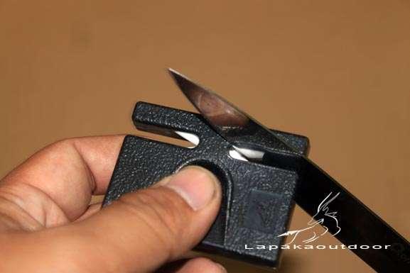 peralatan outdoor Gerber penajam pisau