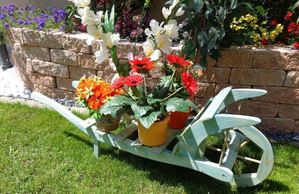 Holzschubkarre gartendeko karre zum bepflanzen for Gartendeko zum bepflanzen