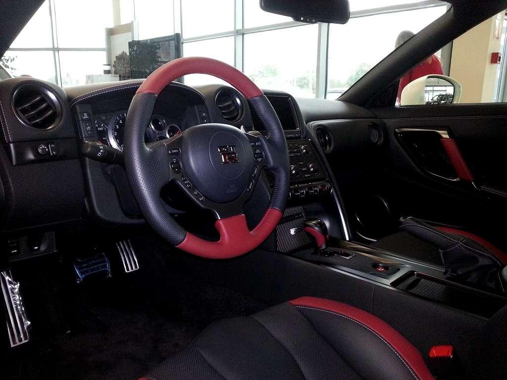 Wnętrze GT-R