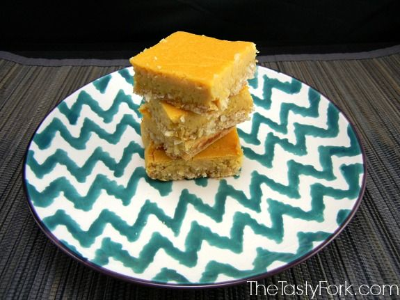 Gluten Free Lemon Bars. No Sugar Added dessert, perfect for the holidays! TheTastyFork.com #MyMarianos #Shop #cbias