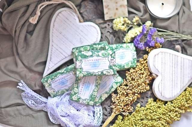 jabones para bodas, jabones personalizados bodas, bálsamos personalizados bodas