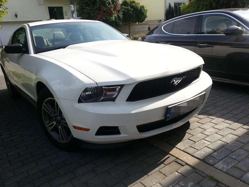 Przód Mustang