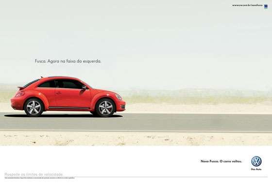 Volkswagen Fusca. Agora na faixa da esquerda. Novo Fusca. O carro voltou.