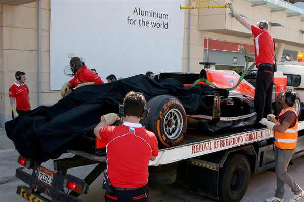 Marussia MR03 Problem