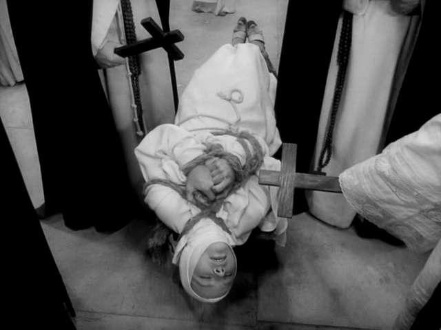 vlcsnap2011050608h50m11 Jerzy Kawalerowicz   Matka Joanna od aniolów AKA Mother Joan of the Angels (1961)