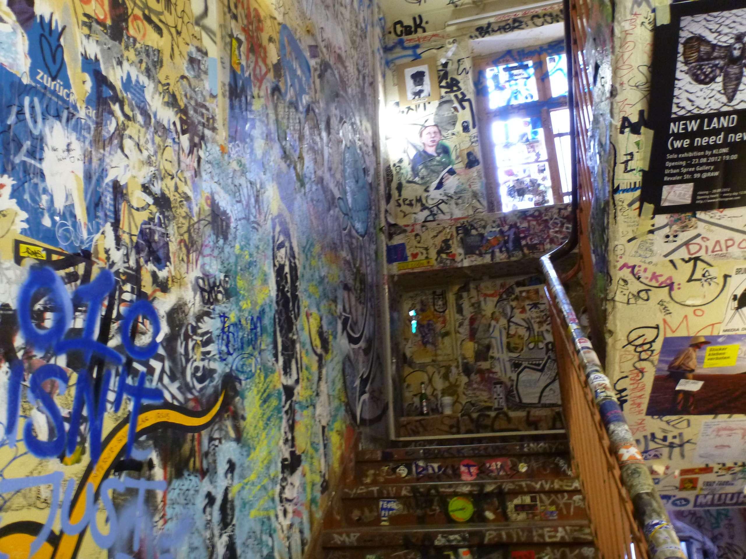 Stubište s grafitima