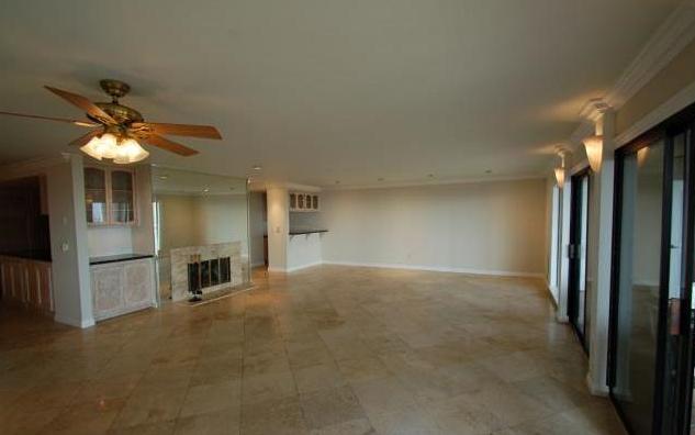 2800-baywater-avenue-san-pedro-ca-90731-living-room.png