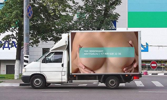 Truck in Russia with advert from AdvTruck.ru