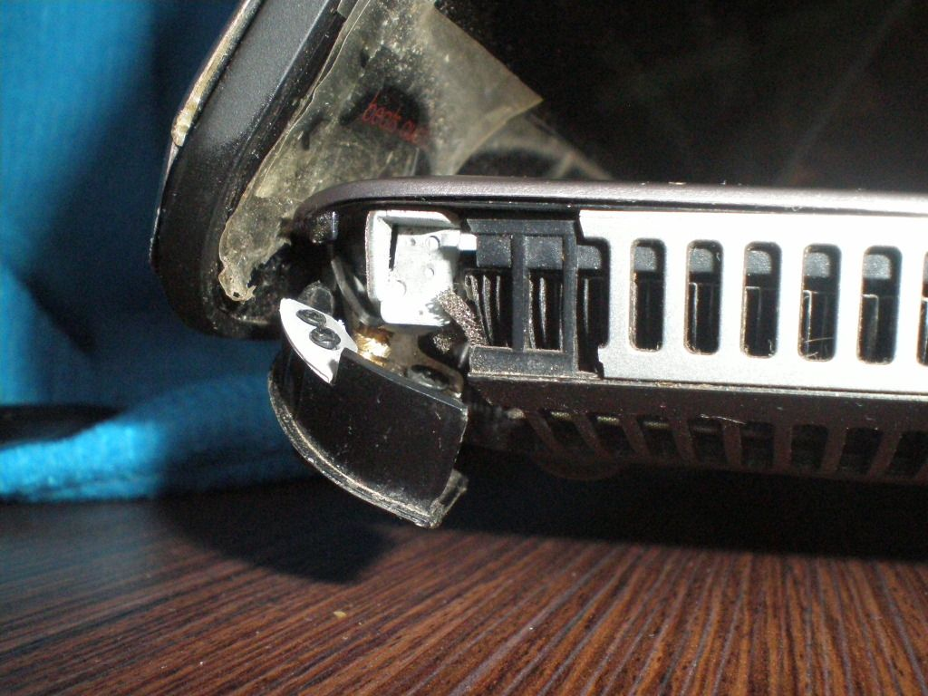 Sửa bản lề laptop giá rẻ tphcm