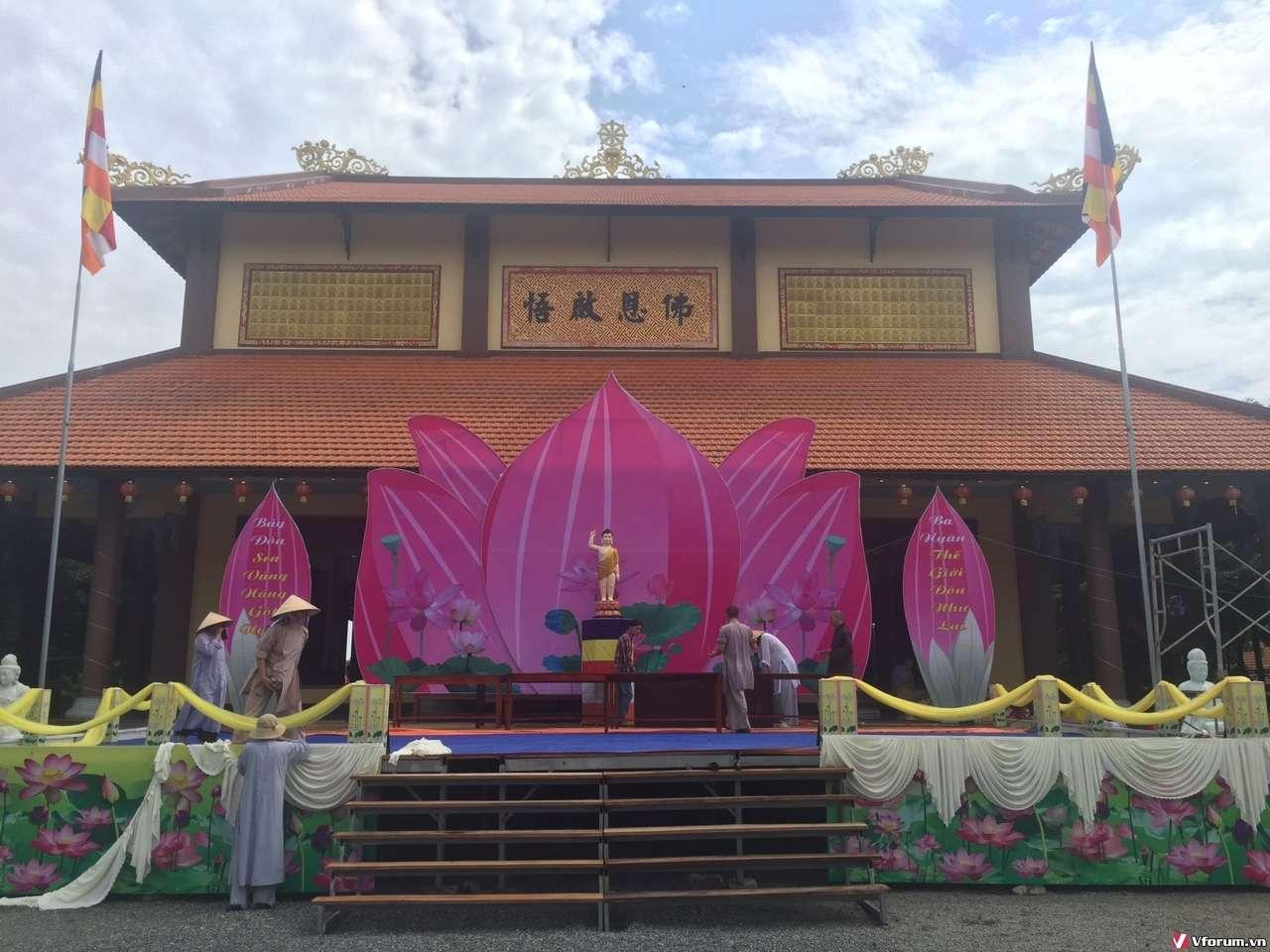 Chùm ảnh Công tác chuẩn bị Lễ đài Phật đản BTS huyện, PL 2562