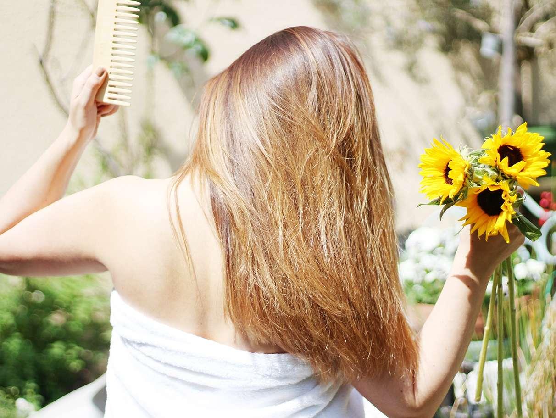 lhuile-de-tournesol-pour-des-cheveux-soyeux