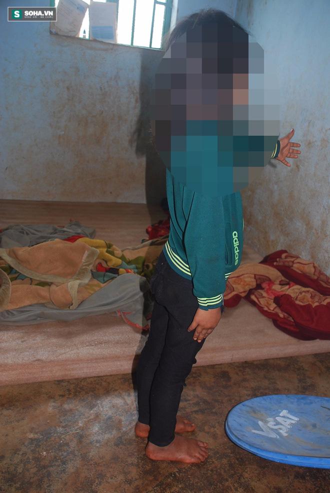 Chồng nửa đêm mò vào phòng cưỡng bức con ruột, bé gái 8 tuổi khóc thảm vì đau