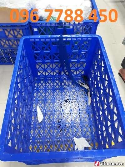 rổ nhựa có bánh xe
