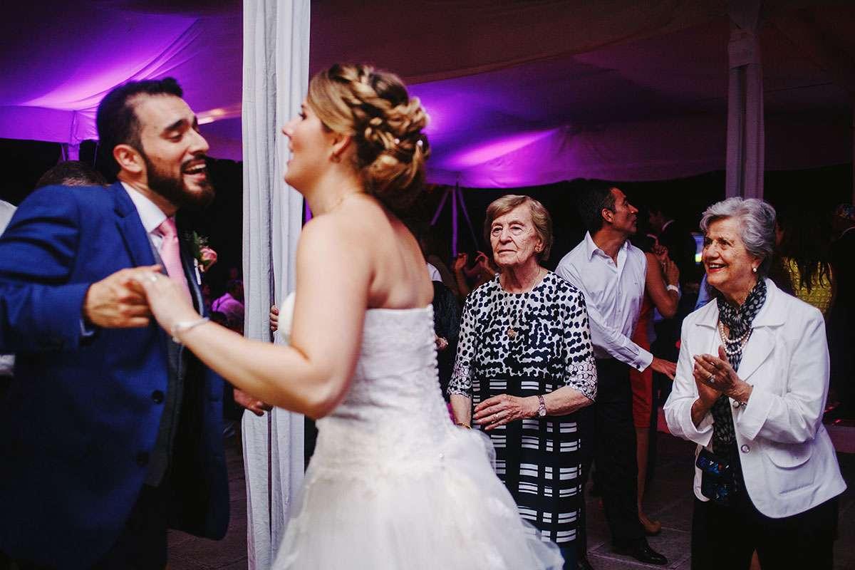 elihu con H fotografo de bodas