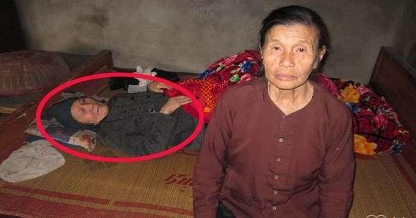 """""""Bùa vịt"""",người đàn bà ròng rã 50 năm ngâm mình trong nước"""