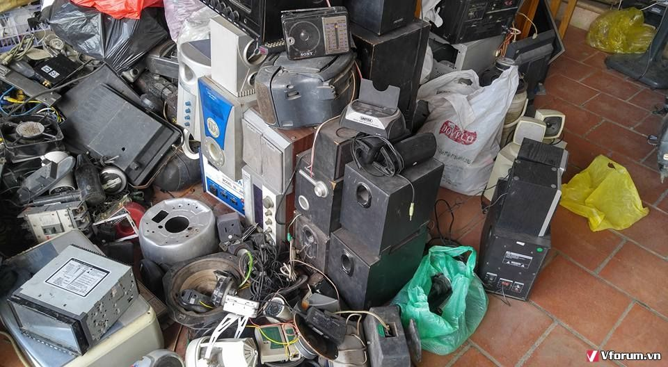 các loại đồ cũ,đồ linh tinh,wifi,âm ly,đài,loa,đầu đĩa,xe,các loại quạt, đồ điện,v.v các thể loại...