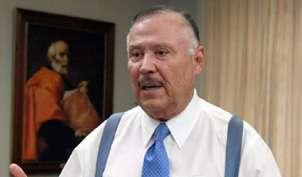 Carlos Urbizo Solis, economista